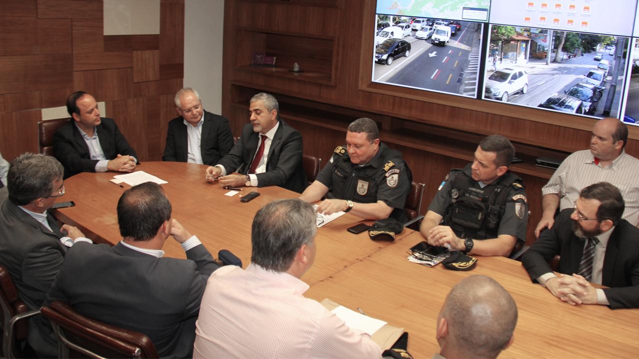 """""""Niterói Mais Segura"""" contará com reforço de 302 agentes. O programa da Prefeitura de Niterói é uma parceria com o Governo do Estado."""