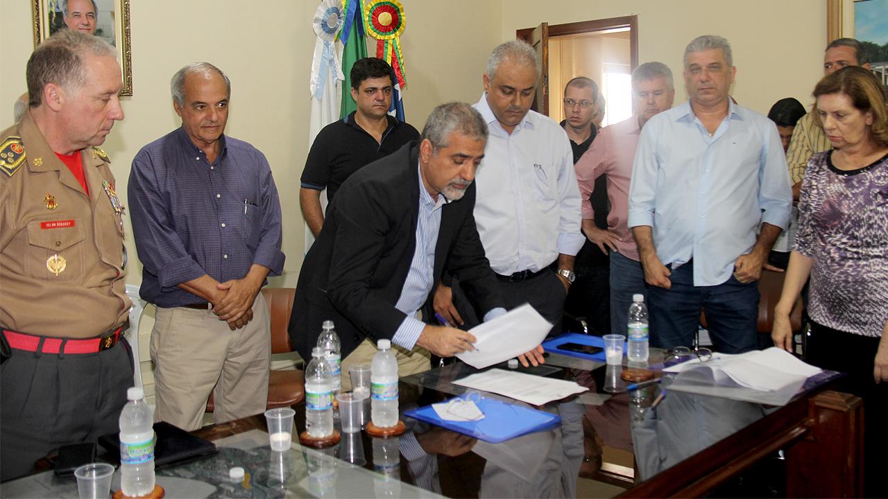 Nesta sexta-feira (10), foi implantado na prefeitura de Santo Antônio de Pádua o Conselho Regional de Mitigação dos Efeitos da Estiagem.