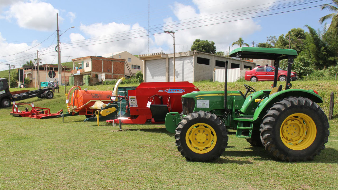 Incentivos do programa da secretaria estadual de Agricultura vão incrementar projetos das cadeias produtivas do leite e de olerícolas de Italva.