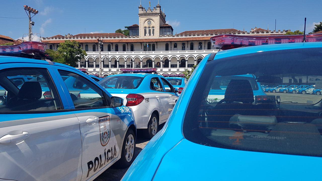 Nesta semana, a Polícia Militar apresentou as novas viaturas que estão sendo preparadas para reforçar o patrulhamento nas ruas.