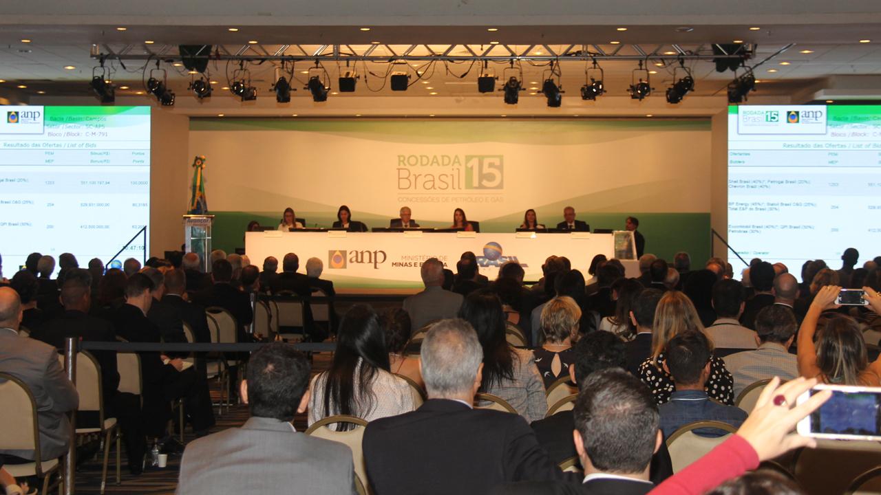 O deputado Christino Áureo reassumiu seu mandato na Alerj, após ter passado o ultimo ano a frente da secretaria estadual Casa Civil.