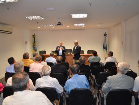 Deputado Christino Áureo parabeniza Rodolfo Tavares pela reeleição na Federação da Agricultura, Pecuária e Pesca do Estado