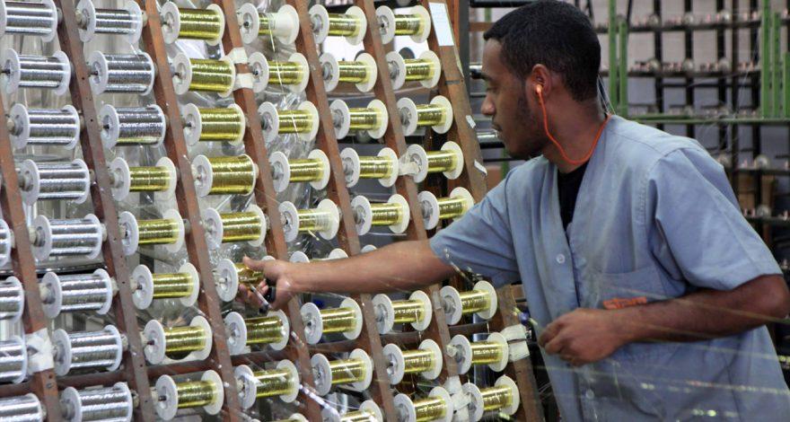 O setor de moda teve renovado, até o fim de 2032, seu regime especial de tributação, que reduz na alíquota de ICMS para a indústria têxtil fluminense.