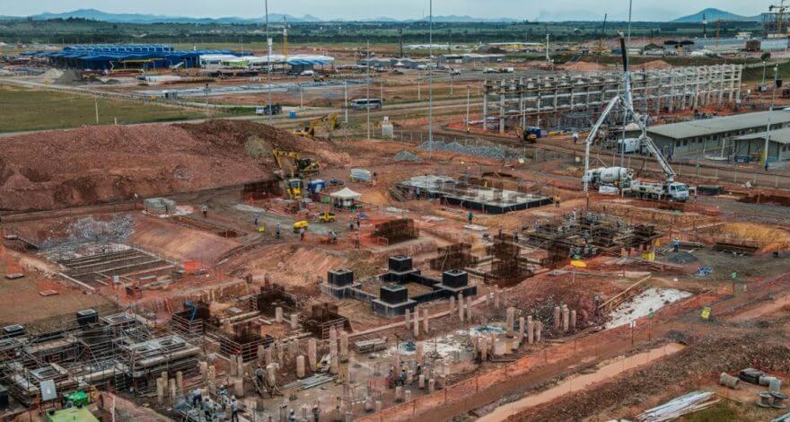 Retomada das obras da Petrobras, que começou com o trabalho do deputado Christino na Casa Civil, pode trazer8 mil empregos pro Comperj.