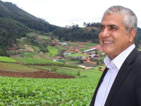 Christino comemora parecer favorável ao projeto de Desenvolvimento Rural Sustentável em Microbacias Hidrográficas